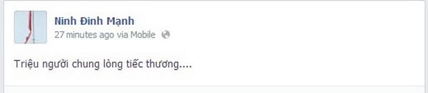 """Ca sĩ Mỹ Linh cũng liên tục chia sẻ những thông tin, hình ảnh về Lễ tang của Đại tướng. Với những người ở xa như Phạm Quỳnh Anh, nữ ca sĩ theo dõi qua truyền hình và đồng tình với câu nói """"Và chẳng còn quốc tang nào mà nước mắt hàng triệu triệu người rơi chung nữa..."""" Lê Minh nhóm MTV: """"Tiễn đưa Người về với Đất Mẹ...Ngọn núi lửa phủ tuyết an giấc nghìn thu"""" Tuấn Hưng chia sẻ: """"Chúng con yêu Ông, Ông mãi mãi trong trái tim chúng con. Ông yên nghỉ ạ""""   Kyo York thể hiện sự tiếc thương và lòng ngưỡng mộ đối với Đại Tướng Võ Nguyên Giáp   Ca sĩ Khắc Việt  Đinh Mạnh Ninh   Vân Hugo chia sẻ đầy xúc động: """"Người đi, một nửa hồn dân mất...Một nửa hồn kia tưởng niệm người...""""   Mai Phương Thúy"""