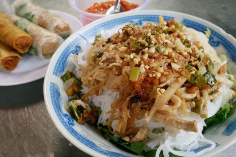 5 món bún khô hấp dẫn người Sài Gòn