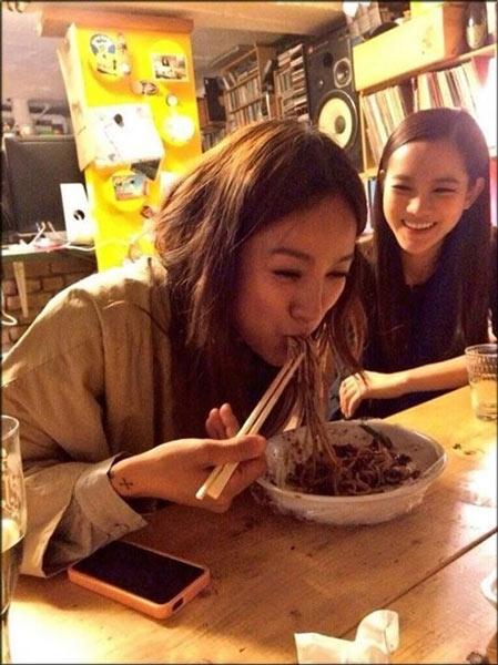 Lee Hyori đăng tải đang