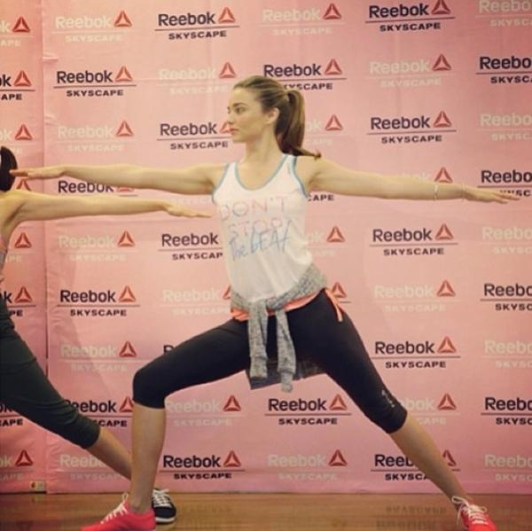 Miranda Kerr chăm chỉ tập luyện yoga để giữ gìn vóc dáng cũng như sức khoẻ của cô.