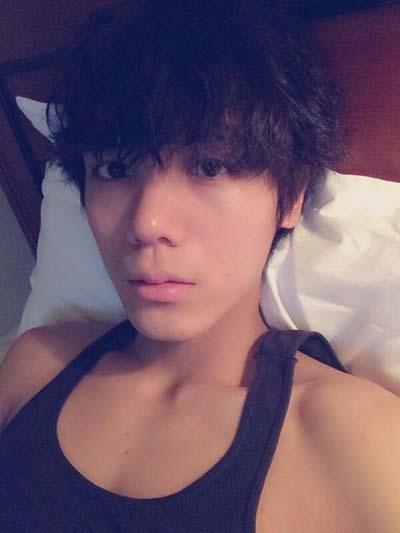 Mir (MBLAQ) khoe hình tặng fan khi đang ở Nhật