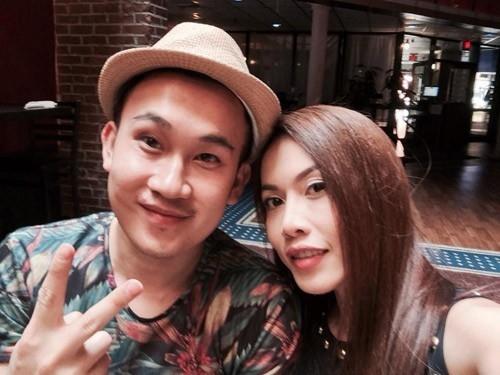 Phương Trang là em gái duy nhất của danh hài Hoài Linh. Hiện tại, Phương Trang cũng theo nghiệp hát như Dương Triệu Vũ. Cô từng xuất hiện rất nhiều trong các show diễn cùng với Hoài Linh tuy nhiên cái tên Phương Trang chỉ mới được khán giả biết đến trong những ngày gần đây.