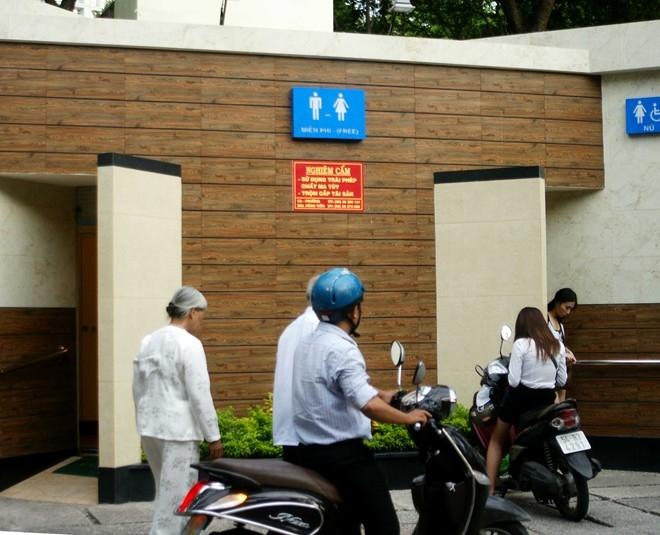 Chuyện dở khóc dở cười tại nhà vệ sinh tiền tỷ ở Sài Gòn