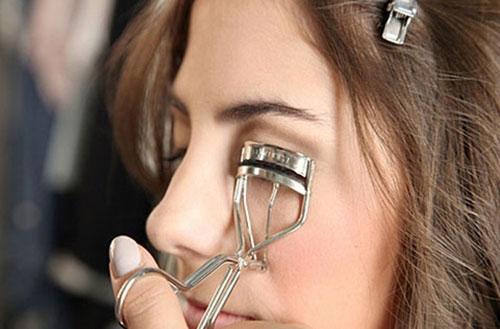 4 sai lầm phổ biến khi dùng mascara