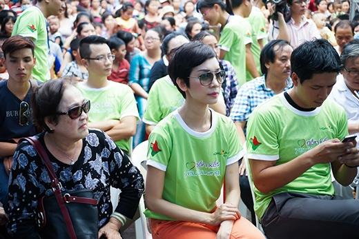 Siêu mẫuXuân Lan- host chương trình 'Vietnam's Next top model' xuất hiện giản dị, gần gũi.