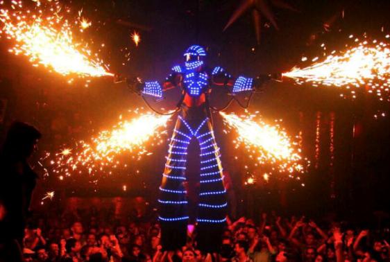 Escape New Year 2015 -  Đại tiệc âm nhạc hoành tráng cùng DJ số 1 thế giới