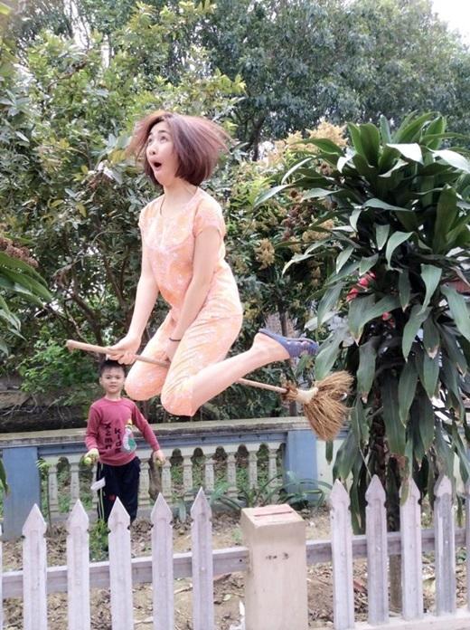"""Hòa Minzy nổi tiếng là người """"không hề sợ xấu"""". Trên trang facebook cá nhân, cô nàng cũng thường xuyên đăng tải những tấm hình """"có một không hai"""" như thế này. - Tin sao Viet - Tin tuc sao Viet - Scandal sao Viet - Tin tuc cua Sao - Tin cua Sao"""