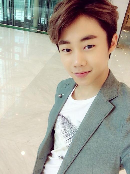 'Sao nhí' Park Ji Bin đã cảm nhận được sự bất tiện của việc đến trường khi cậu ấy có quá nhiều lịch trình đóng phim. Park Ji Bin cho biết: 'Nếu đi học với lịch trình bất thường như thế này sẽ gây cản trở cho cả bản thân tôi và những người bạn cùng lớp'. Hiện tại, Park Ji Bin vừa nhập ngũ vào tháng 3 vừa qua. Anh có thể được coi là nam diễn viên trẻ tuổi nhất tình nguyện nhập ngũ sớm.