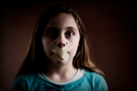 Bé gái 4 tuổi bị bắt cóc và tự giải cứu cho mình. (Ảnh minh họa)