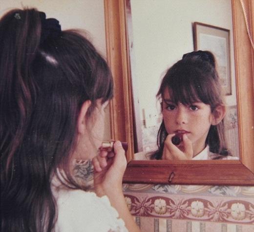 Dù được xem là con gái nhưng Joella luôn cảm thấy xung đột với bản thân.