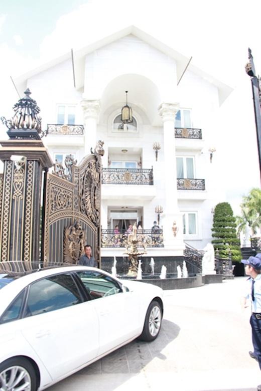 Một góc tráng lệ của tòa biệt thự - Tin sao Viet - Tin tuc sao Viet - Scandal sao Viet - Tin tuc cua Sao - Tin cua Sao