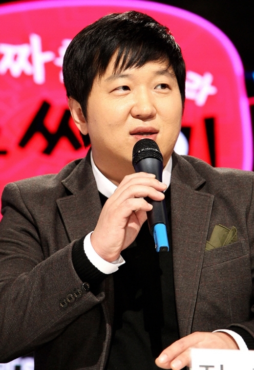Nếu không trở thành diễn viên hài tạp kỹ của làng giải trí xứ Hàn thì Jung Hyung Don đã đầu quân về làm kĩ sư cho thương hiệu điện tử nổi tiếng Samsung Electronics.