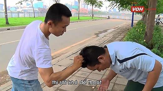 Bật mí cách tự vệ dành cho bạn gái khi bị túm tóc