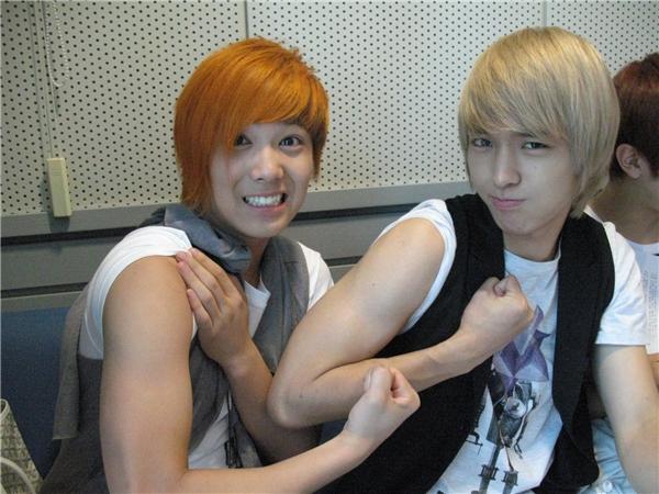 Những thành viên nhóm nhạc Kpop từng ghét nhau ra mặt