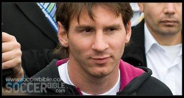 [Bóng Đá] Messi tìm gặp cậu bé không được bắt tay