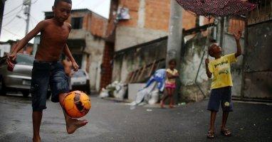"""Lặng người trước một Brasil """"bên lề"""" World Cup"""