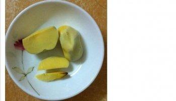 Lòng đỏ trứng gà bóp không vỡ, đốt cháy có mùi khét xuất hiện ở Hà Nội