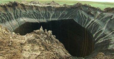 """""""Miệng núi lửa"""" bỗng nhiên xuất hiện tại Siberia"""