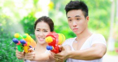 Khả Ngân năng động và quyến rũ cạnh Mr. Fitness Bill Nguyễn
