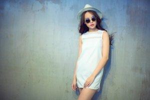 Miss Ngôi Sao - Như Ý khoe dáng chuẩn với trang phục trắng đen