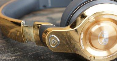 Những smartphone và headphone siêu xa xỉ làm bằng vàng