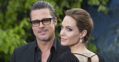 Angelina Jolie và Brad Pitt đã bí mật kết hôn