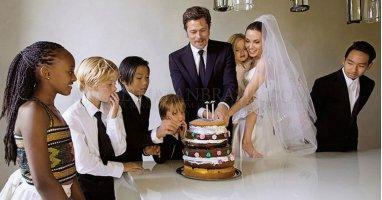 Ngưỡng mộ khoảnh khắc hạnh phúc của gia đình Angelina Jolie và Brad Pitt trong ngày cưới