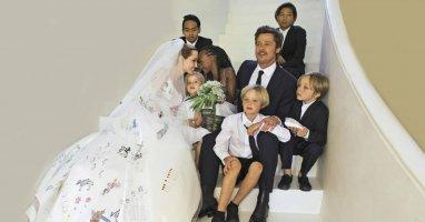 Bộ ảnh cưới của Brad Pitt và Angelina Jolie trị giá 5 triệu USD