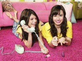 Lí do Demi Lovato nghỉ chơi Selena Gomez là gì?