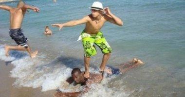 """Những hình ảnh """"cười ra nước mắt"""" ở bãi biển"""