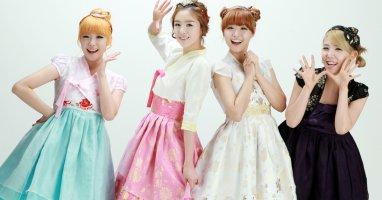 Những chiếc áo Hanbok biến tấu cực xinh của giới trẻ Hàn