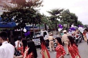 """Những đoàn xe máy phạm luật khi đi đám cưới gây """"bão"""" cộng đồng"""