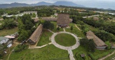 Cảnh hoang tàn ở làng văn hóa 3.200 tỷ đồng