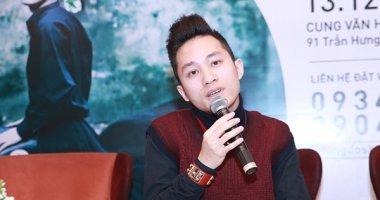 """Tùng Dương: """"Tôi không hát với nghệ sĩ xuất hiện ở băng rôn trên cột điện"""""""