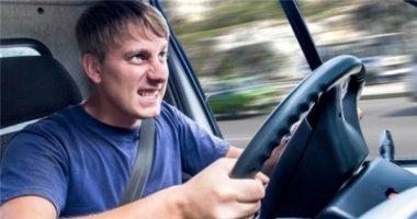 """5 thói quen """"phá xe"""" của tài xế"""