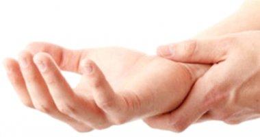 Tê tay: Dấu hiệu 4 bệnh nguy hiểm