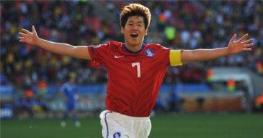 Khán đài nổi lửa khi Park Ji Sung về thăm PSV