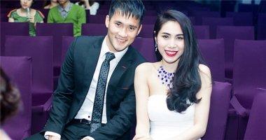 5 chuyện tình lãng mạn của cầu thủ Việt