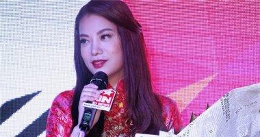 Trương Ngọc Ánh diện áo dài duyên dáng đến dự tiệc sinh nhật YAN News.