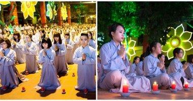 Giới trẻ Hà Nội rủ nhau đi Lễ hội hoa đăng dịp cuối năm