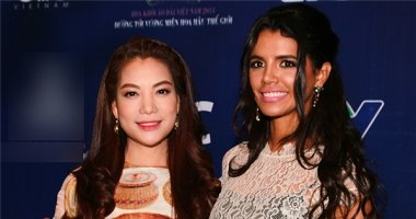 Trương Ngọc Ánh đẹp mặn mà bên cạnh Hoa hậu thế giới