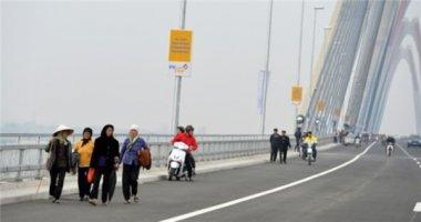 Bát nháo, mất trật tự trên cầu Nhật Tân