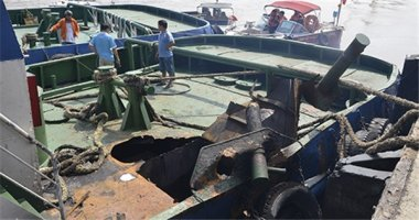Nổ tàu dưới chân cầu Phú Mỹ, nam thanh niên bị hất văng xa 50m