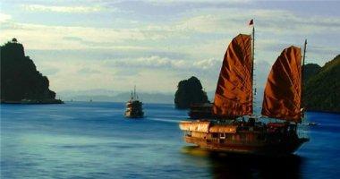 Vịnh Hạ Long lọt top những địa điểm đẹp như cổ tích trên thế giới