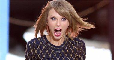 Taylor Swift đích thân bênh vực fan bị xúc phạm
