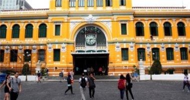 Bị phản đối, TP.HCM sơn lại tòa nhà bưu điện 130 tuổi