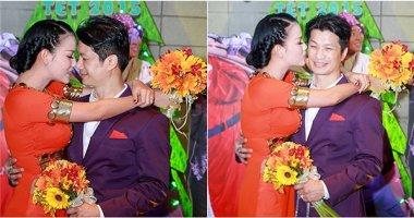 Dustin Nguyễn âu yếm vợ mới cưới Bebe Phạm