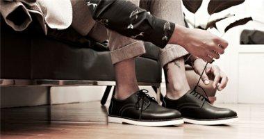 Bí quyết ăn gian chiều cao dù đi giày bệt