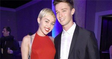 Patrick bị đe dọa tính mạng vì dám lừa dối Miley Cyrus
