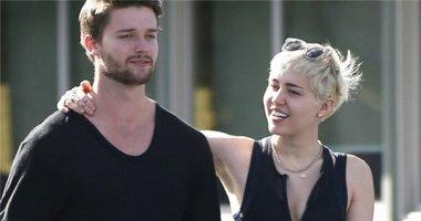 Miley Cyrus muốn cho bạn trai một cơ hội thứ hai